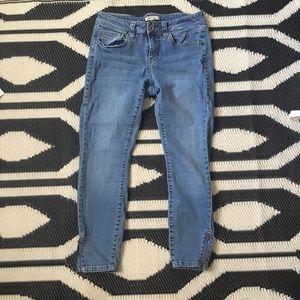 CAbi La Jolla Cropped Jeans (220)